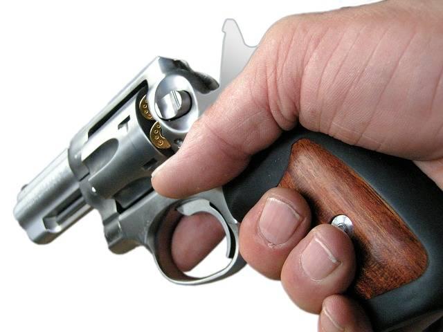 Revolver Colt Pistol - Free image on Pixabay (660365)