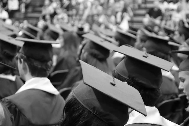 Graduation Cap - Free photo on Pixabay (665712)