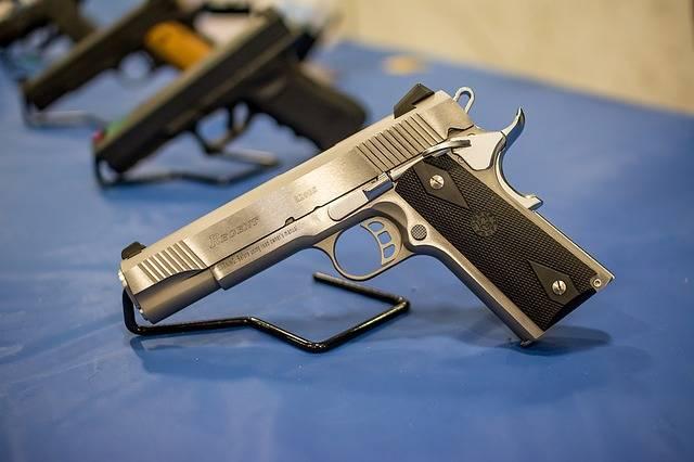 Pistol Gun Handgun - Free photo on Pixabay (671183)