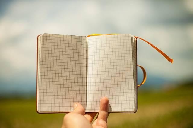 Notepad Hand Hold - Free photo on Pixabay (673673)