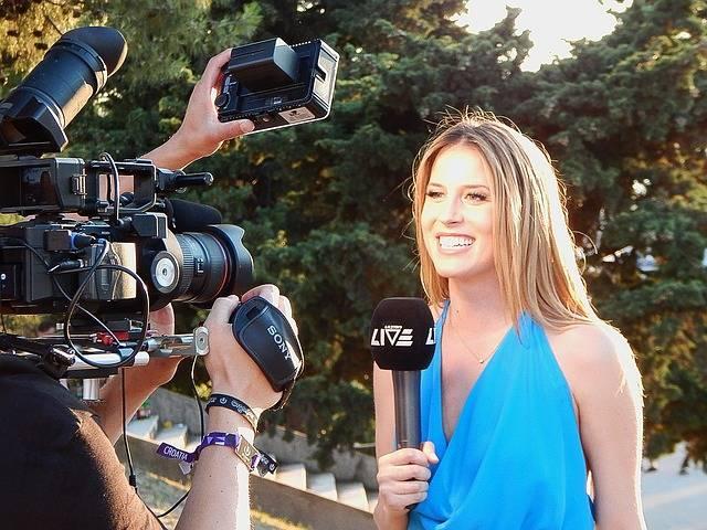 Reporter Camera Journalist - Free photo on Pixabay (675814)