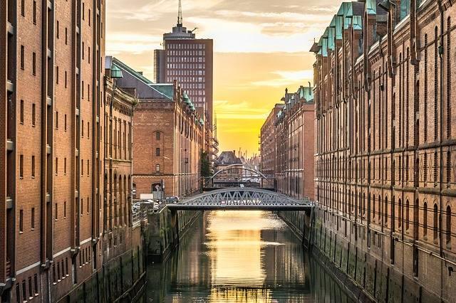 Hamburg Speicherstadt Channel - Free photo on Pixabay (686671)