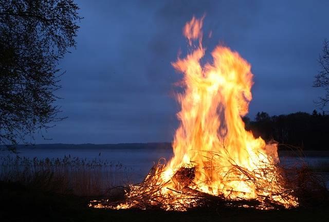 Fire Flames Bonfire - Free photo on Pixabay (696055)