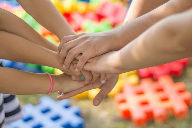 Hands Friendship Friends - Free photo on Pixabay (703222)