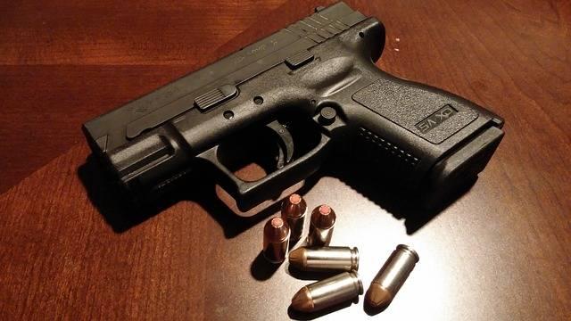 Handgun Pistol Firearms - Free photo on Pixabay (707179)