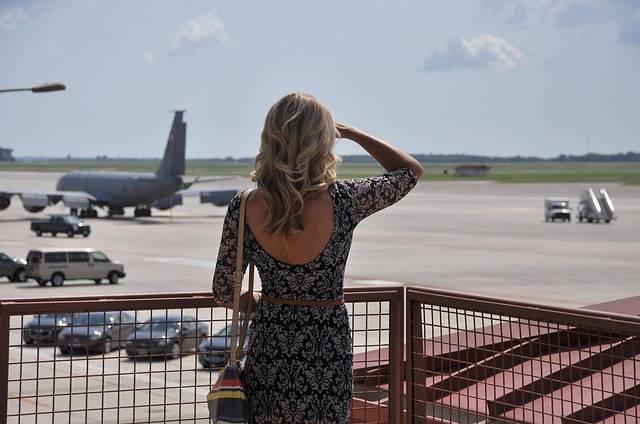 Woman Watching Airport Waiting - Free photo on Pixabay (709710)