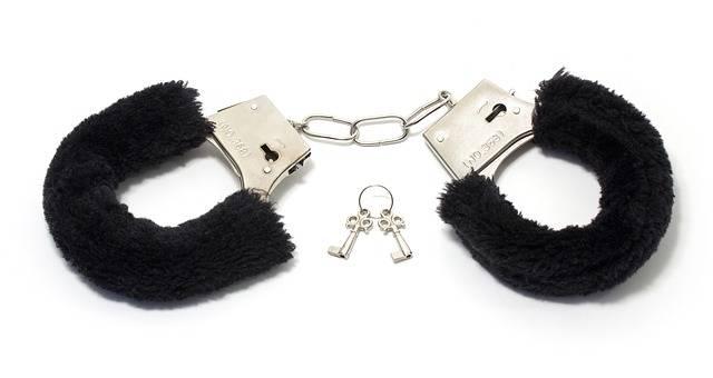 Handcuffs Soft Toy - Free photo on Pixabay (712673)