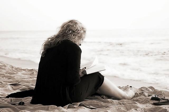 Read Book Reading - Free photo on Pixabay (714773)