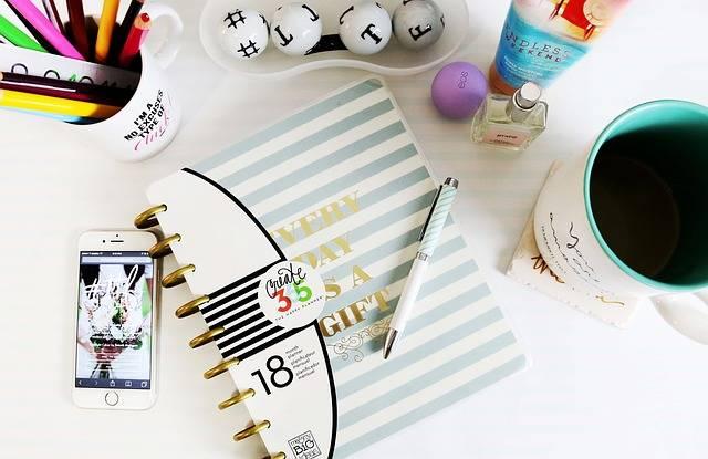 Desk Office Interior - Free photo on Pixabay (716337)
