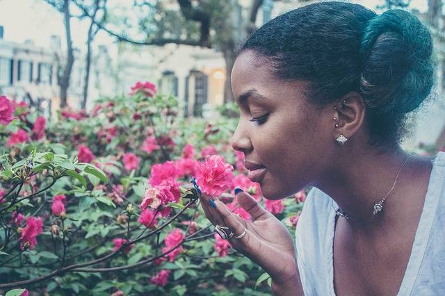Flower Woman Smelling - Free photo on Pixabay (723524)