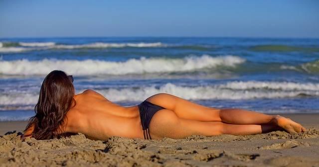 Girl Lying Sea - Free photo on Pixabay (724152)