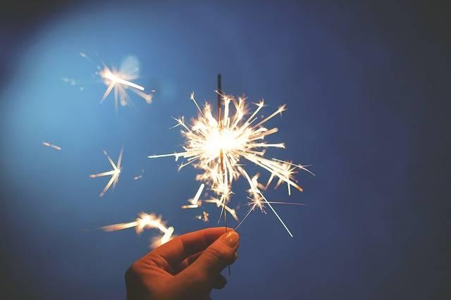 Sparkler Fireworks Hand Fourth Of - Free photo on Pixabay (729315)