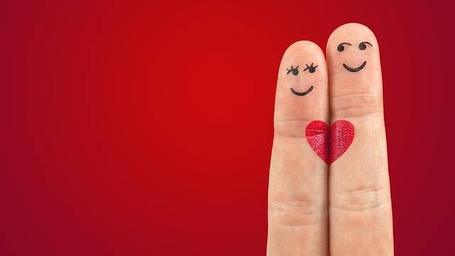 Art Fingers Heart - Free photo on Pixabay (730279)