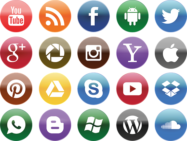 Social Media You Tube Facebook - Free vector graphic on Pixabay (732159)