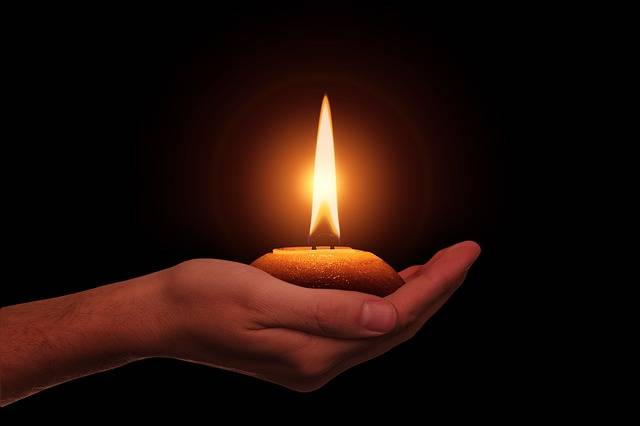 Hand Candle Diwali Festival Of - Free image on Pixabay (737498)