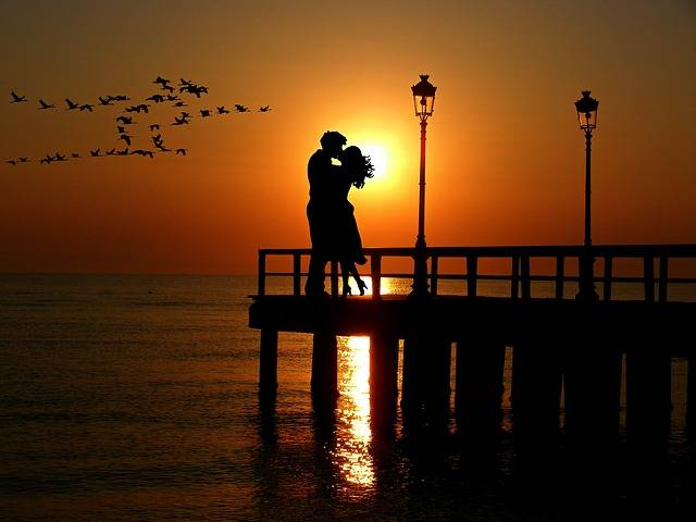 Lovers Sunset Romance - Free photo on Pixabay (738133)