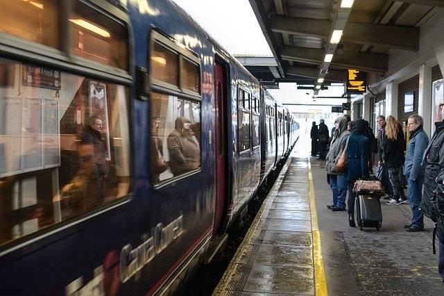 Train Station Platform - Free photo on Pixabay (747845)