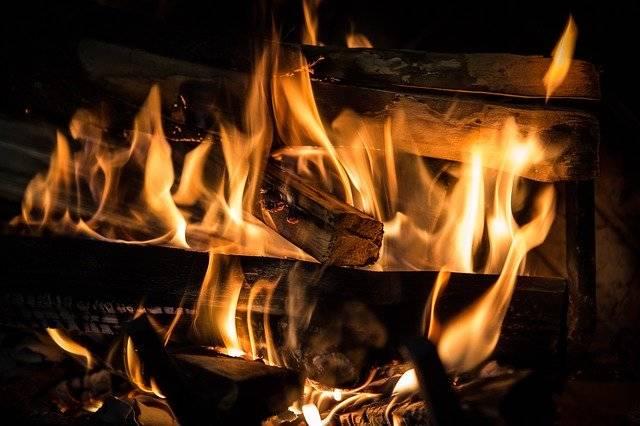 Fire Fireplace Flame - Free photo on Pixabay (749080)