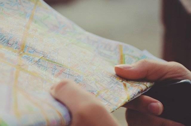 Map Navigation Hands - Free photo on Pixabay (750346)