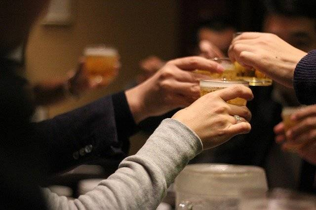 Cheers Drinking Session Liquor - Free photo on Pixabay (755615)