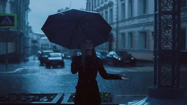 Girl Umbrella Rain - Free photo on Pixabay (761574)