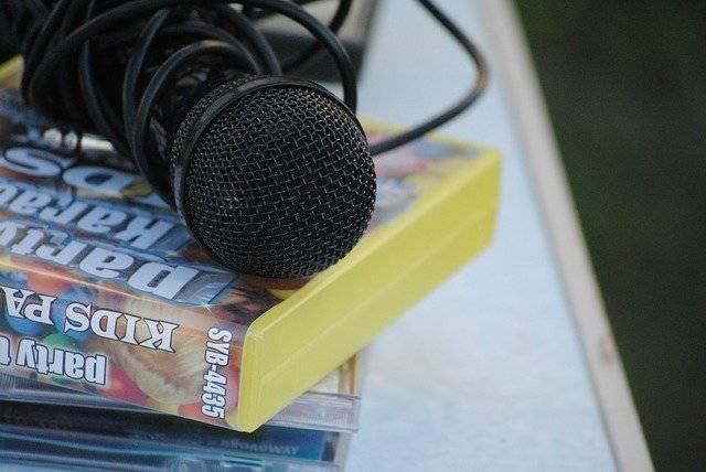 Microphone Karaoke Child - Free photo on Pixabay (763451)