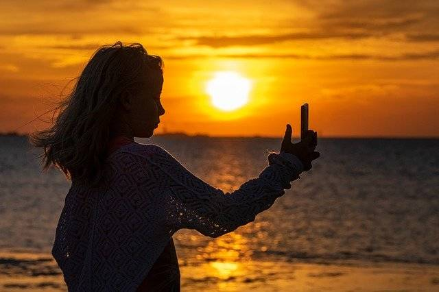 Selfie Girl Silhouette - Free photo on Pixabay (764359)