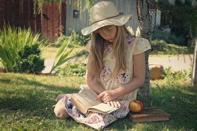 Girl Child Read - Free photo on Pixabay (772138)