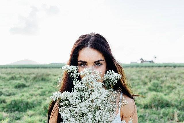 Young Woman Flowers Bouquet - Free photo on Pixabay (772142)