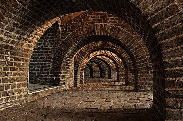 Vaulted Cellar Tunnel Arches - Free photo on Pixabay (777063)